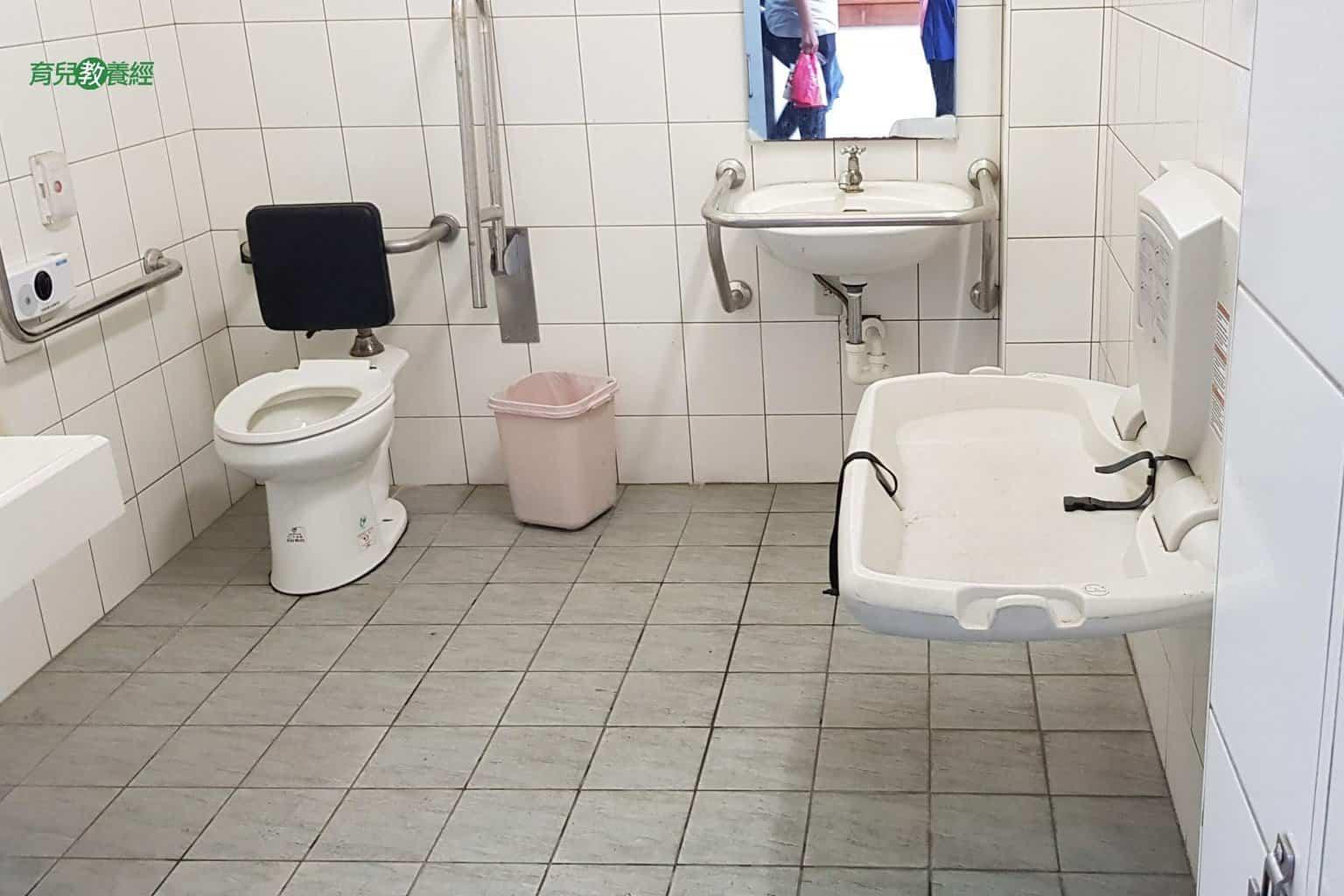 鹿港小鹿兒童公園親子廁所